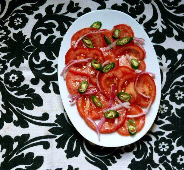 mom's green chili and tomato salad – LeSauce